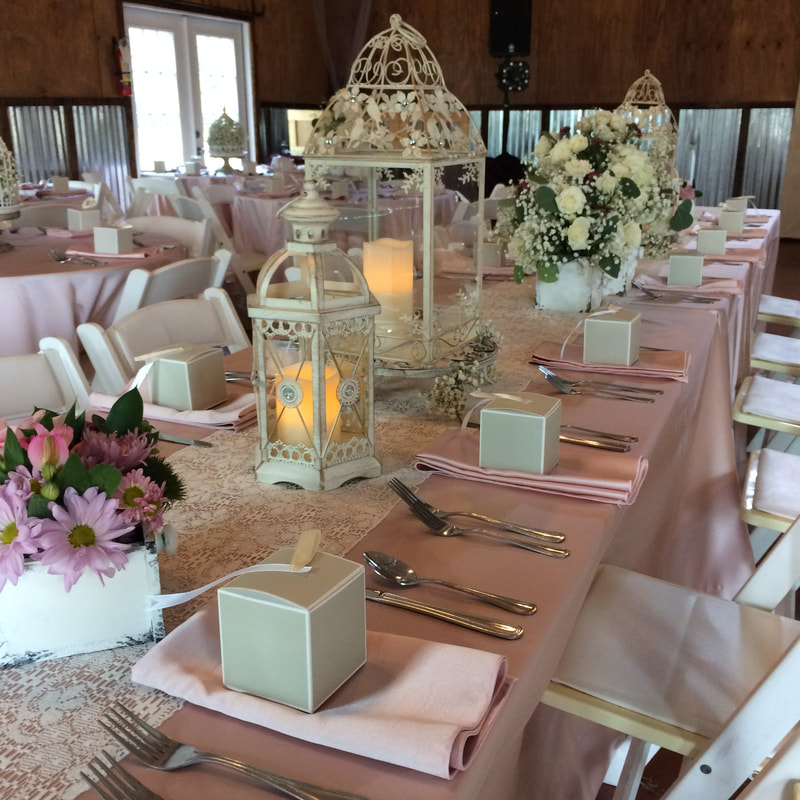 Rose Gold Combines The Glamour Of With A Delicate Pink Hue This Mix Tones Makes It Totally Chic And Romantic Rustic Weddings
